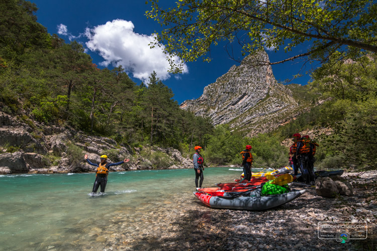 photo cano raft air boat canoe verdon